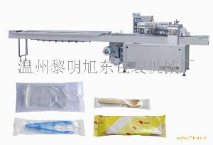 供应多功能枕式版块全自动包装机