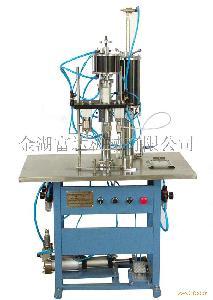 QGB-900c半自动气雾剂灌装机