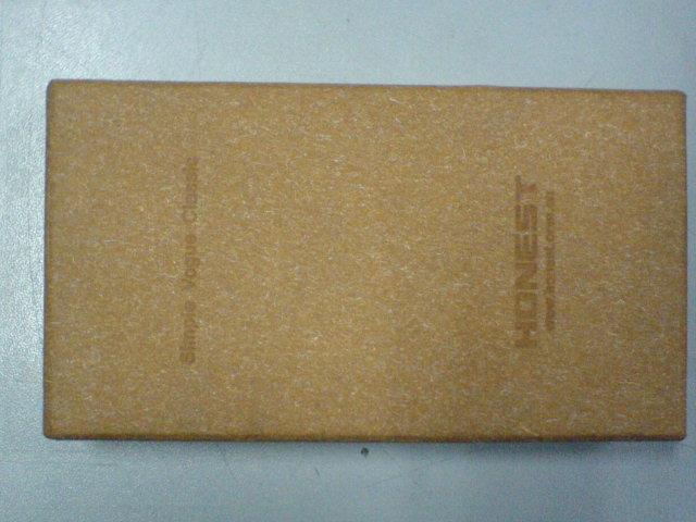 可采用进口俄罗斯黄牛皮纸或加拿大白牛皮纸或美国辛普森白牛皮 .